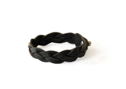 Verge leather plaited bracelet black on hand